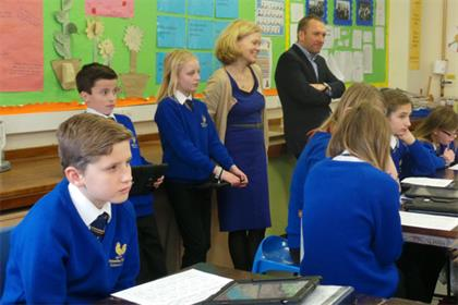 Tablets for Schools: aimed at preventing a digital divide between the private and public sectors