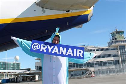 Ryanair: launches Twitter account
