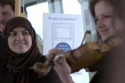 Copenhagen Metro flashmob: tops the viral chart