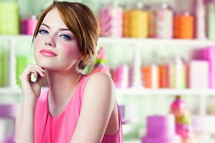 Emma Stone: the actress is an ambassador for Revlon