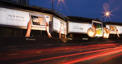 Samsung Galaxy: Clear Channel outdoor campaign at Cromwell Road