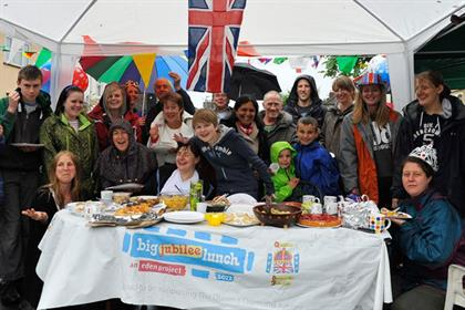 Big Jubilee Lunch: neighbours celebrate in Norwich