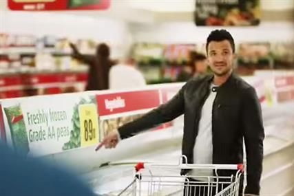 'I know' Peter Andre shops at Iceland