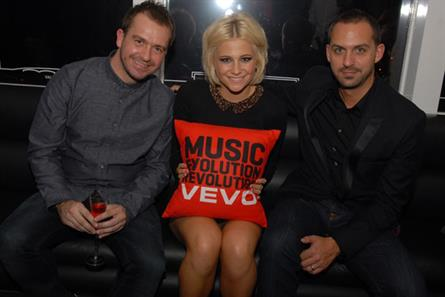 Jonathan Lewis and Jonathan Lewen of Vevo with Pixie Lott