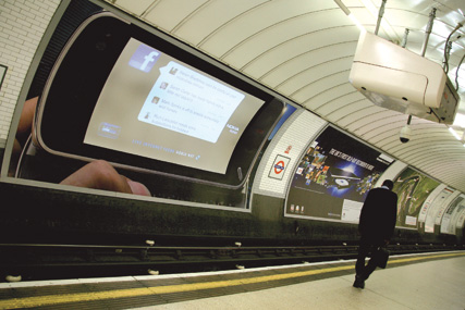 Multi-platform: advertisers vie to capture commuters' attention