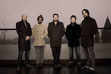 Elbow: performing in the crypt of St Paul's Cathedral
