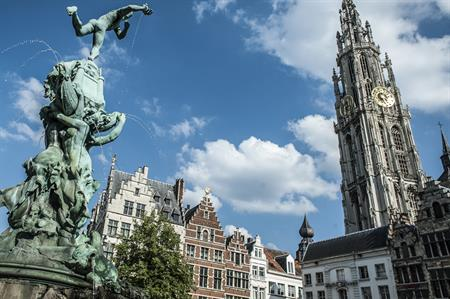 VLM Airlines launches new service to Antwerp