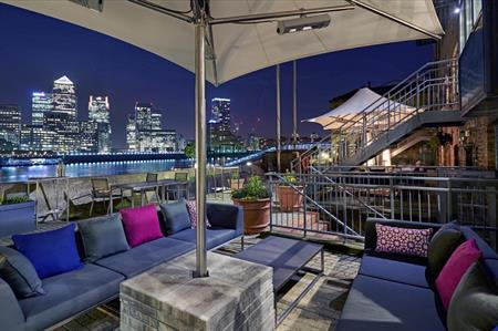 DoubleTree by Hilton London Docklands Riverside