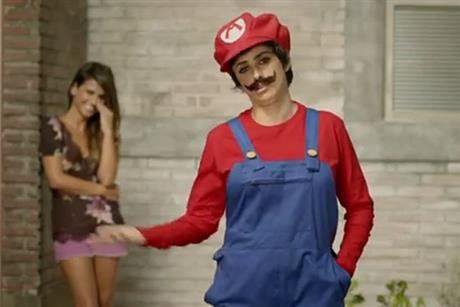 Nintendo: sisters Monica and Penelope Cruz star in Super Mario Bros 2 TV campaign