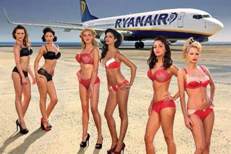 Ryanair: releases 2012 bikini calendar