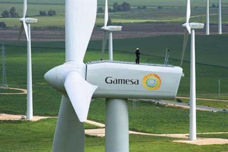 Gamesa&#39;s 2MW turbine is at the centre of the row