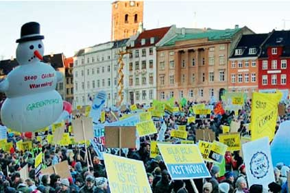 Copenhagen Summit: the crowds show their enthusiasm for a positive outcome
