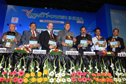 Wind Power India 2012: Renewables minister Farooq Abdullah (centre) suggested payment solution