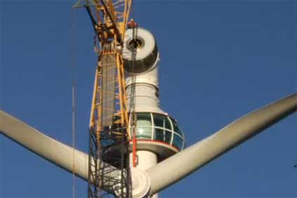 Leitwind&#39;s 1.5MW LWT77 turbine being installed at Grouse Mountain wind farm, British Columbia. 
