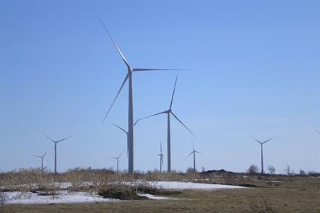 Golden age… The 198MW Wolfe Island wind farm is the biggest in Ontario (pic:santryl@en.wikipedia)
