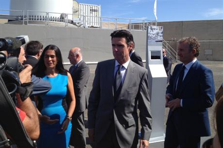 Spanish minister for industry, energy and tourism Jose Manuel Soria with Gamesa chairman Ignacio Martin (left)