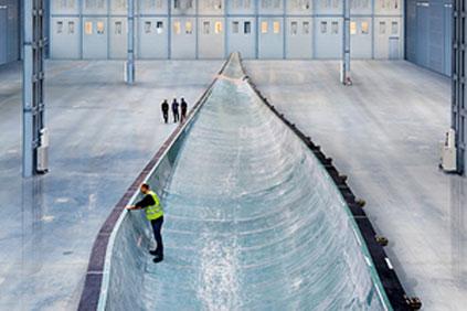 Siemens casts its 75-metre blade, the world's longest, in a single mould