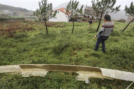 A piece of the blade near the house in northern Spain (pic: Ana Garcia / La Voz de Galicia)