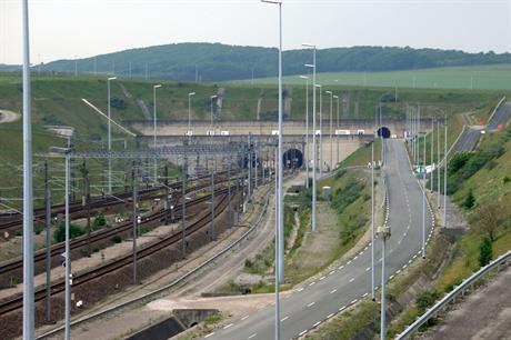 The link will be installed in the Euro Tunnel's north tunnel