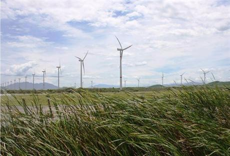 EGP is raising $440 million from the sale of 49% of 560MW of wind assets