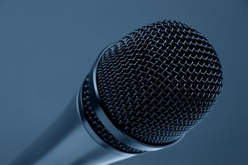 6 ways to make money from public speaking