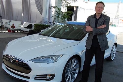 Why Elon Musk's defensiveness over Tesla crash is a bad move