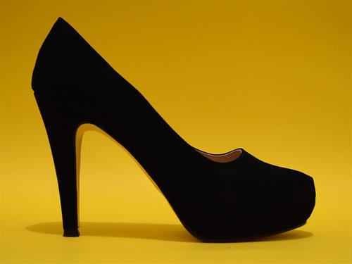 Is it legal to insist on women wearing high heels in the workplace?