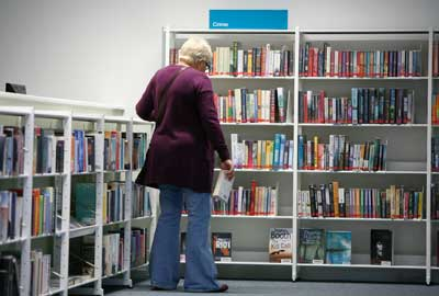 Library staff to be replaced with volunteers