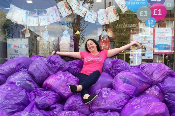 Slimming World asks members to donate clothes that no longer fit to CRUK