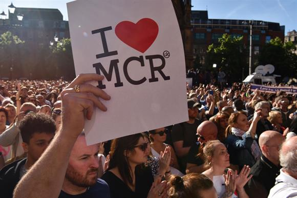 Resultado de imagen de We Love Manchester, Sue Murphy,