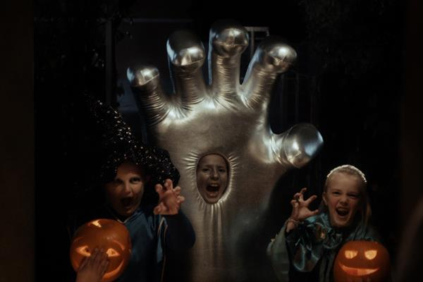 World's Talking About: The Silver Hand