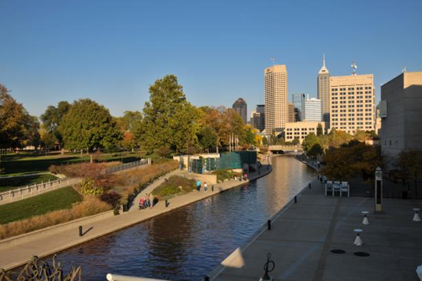 Downtown Indianapolis (Image via Wikimedia Commons).