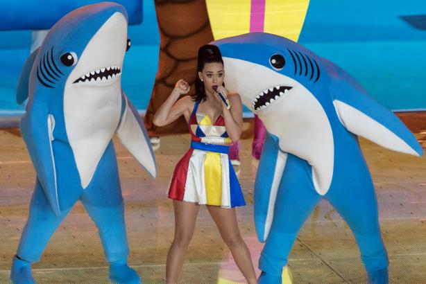"""""""Katy Perry - Super Bowl XLIX Halftime 02"""" by Huntley Paton from Huntersville, N.C., (Image via Wikimedia Commons)"""