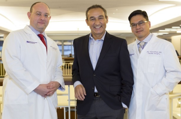 Oscar Munoz had a heart transplant the same year he turned around struggling United Airlines.