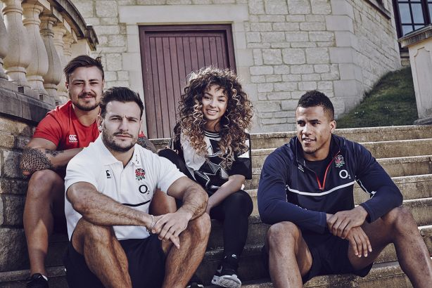 Every Voice Counts: Ella Eyre with England Rugby legends