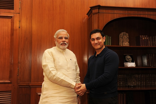 Aamir Khan (right), meeting Indian prime minister Narendra Modi (Narendra Modi/Flickr)