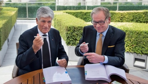 Publicis CEO Maurice Levy and Omnicom chief executive John Wren at the deal's announcement last July