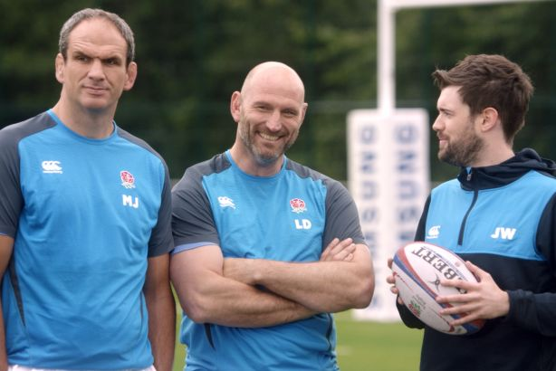#SamsungRugby: Martin Johnson is unimpressed by Jack Whitehall's attempts to bond