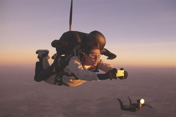 HTC: global TV campaign features a skydiving photo shoot on an HTC One camera