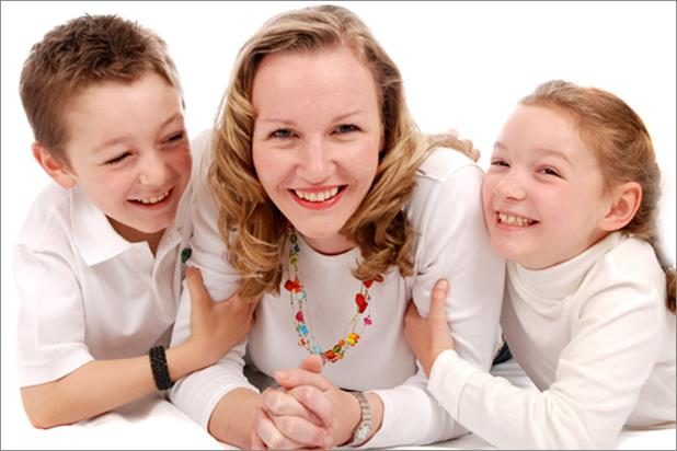 Innovitive Vitamins: founder Dawn Reid with her children