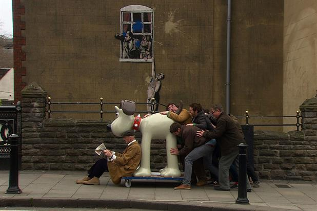 Gromit: character appears in Visit Bristol campaign