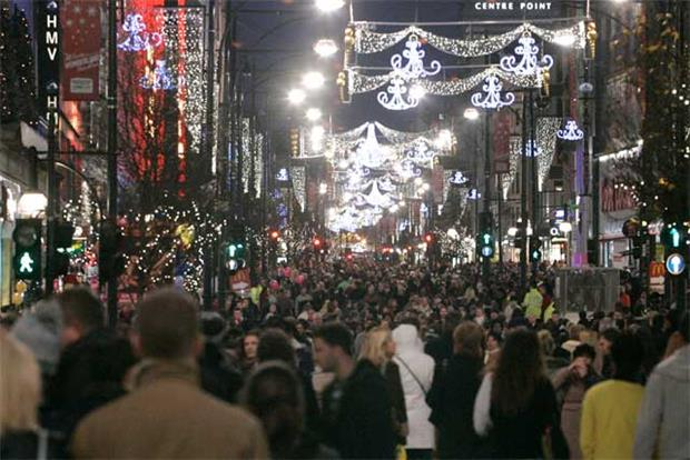 Oxford Street: Christmas shoppers in London