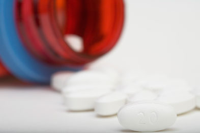 Statin treatment should not be delayed in people with acute coronary syndromes.   SCIENCE PHOTO LIBRARY