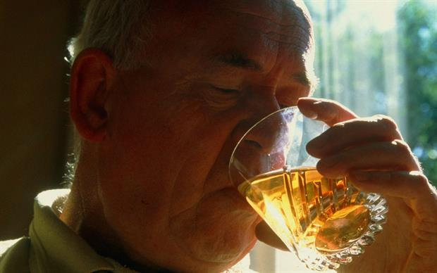 In trials, nalmefene plus psychosocial support reduced alcohol consumption by 1.8 units per day compared with psychosocial support alone. | SCIENCE PHOTO LIBRARY