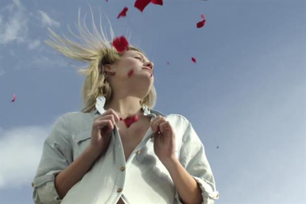 Danone: expands the Evian brand's online presence with exclusive content