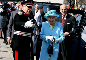 The Queen arrives at Walthamstow Assembley Hall