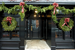 What's hot of the week: festive doorways from The Christmas Decorators