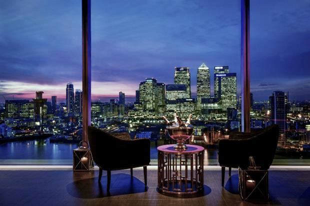 The sky bar is on the 18th floor of the new hotel and features views across Canary Wharf