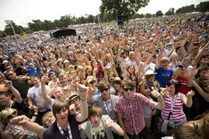 Music festivals to contribute £450m to economy this year