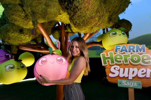 Multi-sensory orchard for the launch of Farm Heroes Super Saga